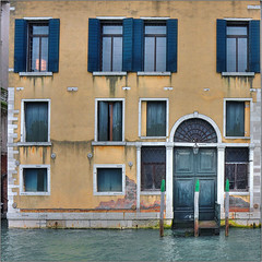 Venetian Palette (Luc B - PhLB) Tags: door blue venice red green window water yellow architecture facade arch front blinds typical venedig venetie grandcanal steiger canalegrande