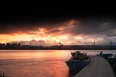 [好像] (funkyruru) Tags: sunset sky ricoh 天空 河 gxr blackcard 自行車道 黑卡 河濱 ¤ñªå ¦û¦æ¨®¹d 福安 ªe a1250mm ªeàø ¶â¥d ºö¦w ãm¨®§ö©ç 騎車快拍