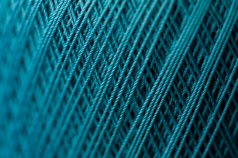 Color 23/31:  Thread
