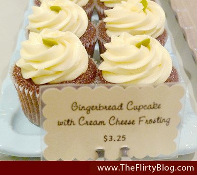 gingerbread-cupcakes-cream-cheese-frosting