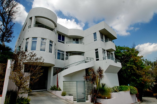 Carnavon Way Streamline Moderne House c.1991 by Michael Locke