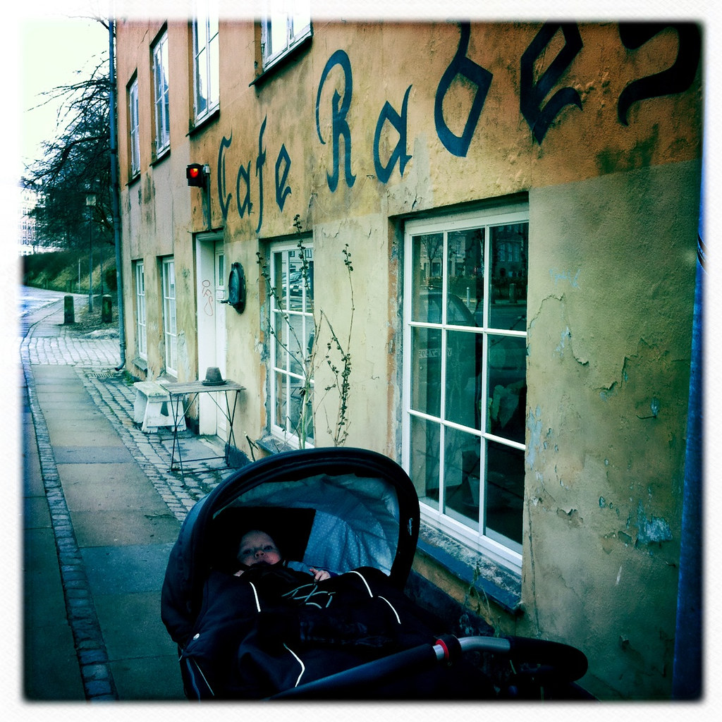Baby on Hipstamatic tour 2011 -