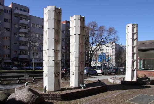 3-Säulen-Brunnen