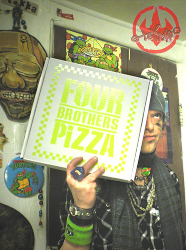 "Nickelodeon TMNT Fan Preview; ""FOUR BROTHERS PIZZA"" - Consolation Pizza Box i (( 2011 ))"