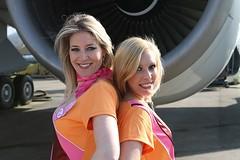 Natasja en Bambi (Bimbo Air) Tags: bambi natasja fotoshoot stewardes bimboair