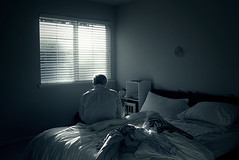 dad (sparth) Tags: seattle leica blue window grey washington store bed dad december room scene fenetre x1 2010 leicax1
