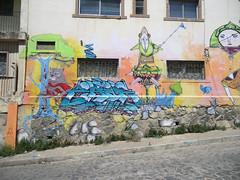 Graffiti in Avenida Elías, Valparaíso, Chile (Kjetilei) Tags: chile graffiti valparaíso 2010 valpo chl cines zade fros neox hozeh avenidaelías