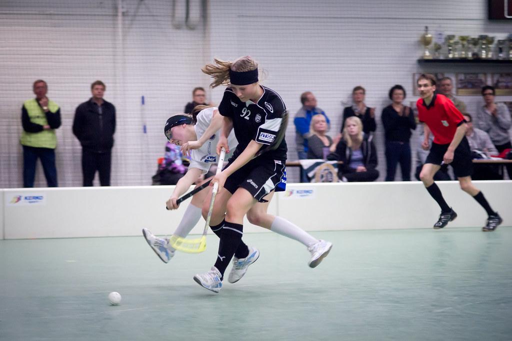 Game winner. Siinä se ratkaisu pohjustetaan, Juliette Kemppi voittaa pallon ja muutamassa sekunnissa se on Erän maalissa.