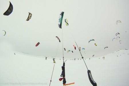 Nejextrémnější snowkitingový závod