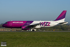 HA-LWG - 4308 - Wizzair - Airbus A320-232 - Luton - 110408 - Steven Gray - IMG_3942