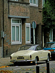 Volkswagen Karmann Ghia, 1967, Amsterdam, Chassstraat, 10-2009 (Jacques Mounnezergues) Tags: auto street car amsterdam vintage volkswagen voiture spotted rue karmann straat volkswagenkarmann chassstraat 2207du sidecode2