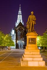 Glasgow Cathedral and David Livingstone Statue (1875Brian) Tags: statue canon eos scotland 7d canoneos glasgowcathedral cathdral davidlivingstone glagsow canon7d