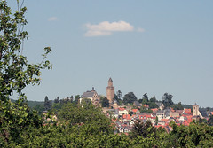 Kronberg im Taunus (roomman) Tags: old city houses panorama house mountain castle sports bike bicycle sport skyline race germany town village hessen view fort main den event part um rudi hr turm fortress rhein rund taunus stich  hesse panorma henninger knigstein koenigstein rheinmain kronberg 2011 hr3 konigstein rundumdenhenningerturm hochtaunuskreis altig vordertaunus rudialtig mammolshain mammoldshain mammolshainerstich mammoldshein mammoldsheinerstich hessenradio