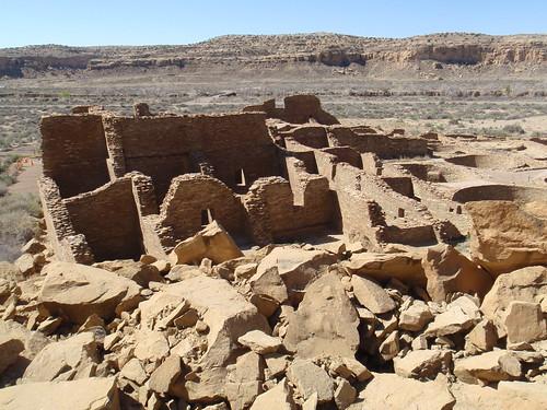 Pueblo Bonita with collapsed rock