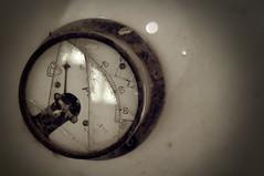 fabricaluz07 (Pablo Lpez Soriano) Tags: oxido fabrica maquinaria abandonada engranaje