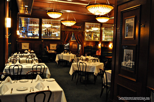 Dining Room at McCormick & Schmicks ~ Minneapolis, MN