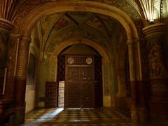 Otra maravilla de Granada (Planeta Dunia) Tags: door espaa gold andaluca spain puerta granada dorado monasteriodesanjernimo panasonicdmctz7