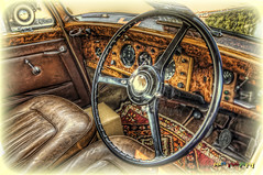 Inside the coupe of a 1949 Bentley Mark IV (foje64) Tags: car sport sweden steel chrome british sverige standard saloon coupe hdr bentley steeringwheel strngns markiv mariefred veterancar foje64