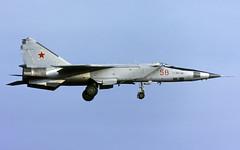 MIG-25RBSh 58red 11 ORAP CL N223 col 1920 (Chris Lofting) Tags: mig25 mig25rbsh foxbat 11orap 58 58red welzow 16thairarmy russianairforce
