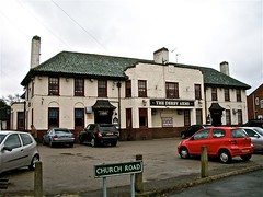The Derby Arms - Halewood, Liverpool. (garstonian) Tags: liverpool pubs merseyside halewood
