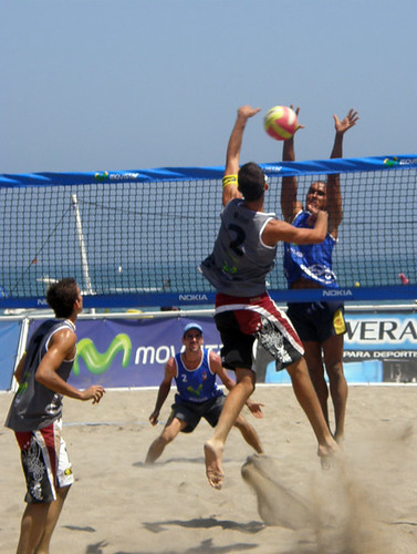 Beachvolleybal action