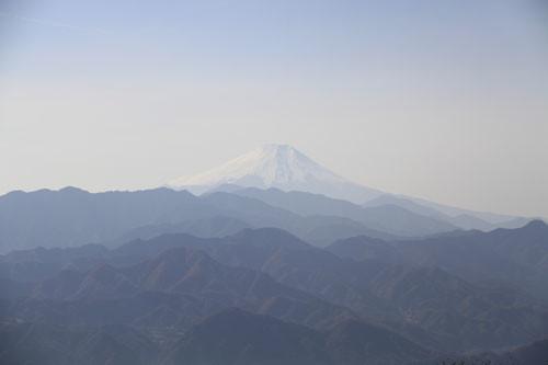 陣場山の山頂からみた富士山