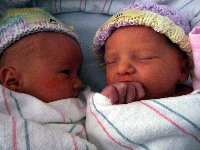 Lillian Emma (l.) and Blair Isabelle Gillin
