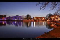 Bblingen - Upper Lake View (der.br) Tags: lake colors night deutschland see hall colorful warm long exposure angle stuttgart nacht centre wide center panasonic upper bblingen promenade convention g1 baden zentrum halle wandel boeblingen kongress mild upperlake langzeitbelichtung kongresszentrum wandelhalle badenwrttemberg wrttemberg badenwuerttemberg oberer milde oberersee seegrtle