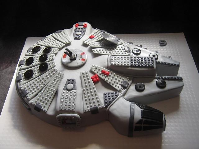 Lego Millenium Falcon Cake