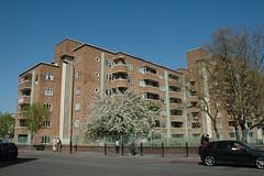 Ansell House E1 (Jamie Barras) Tags: uk england building london architecture century fifties estate east flats 1950s end council housing block whitechapel e1 20th postwar