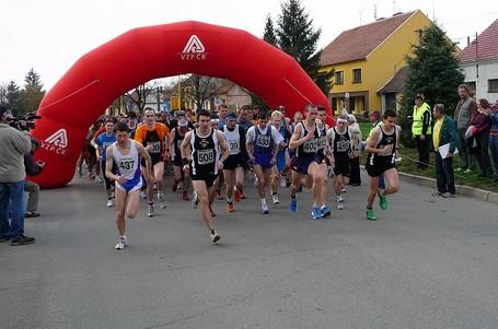 Víkendová závodní smršť nabízí maraton i krosy