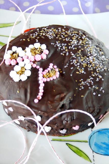 VELVET CAKE CON GLASSA AL CIOCCOLATO