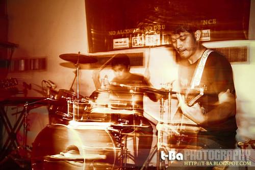 Guitar & Drumer