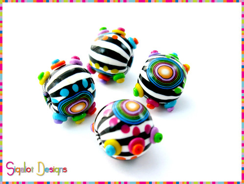 """contrast"" - round beads"