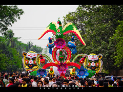 pohela boishakh 1418 Dhaka Bangladesh (Shabbir Ferdous) Tags: light people woman color colour women colorful photographer shot bangladesh bangla 1418 bengali bangladeshi pohelaboishakh april14 ef50mmf14usm ramna nababarsho noboborsho shuvonoboborsho poilaboishakh shubhonoboborsho charukola shabbirferdous banglacalendar boishakhiparade banglagirls bdgirls celebrationinbangladesh canoneos1dmarkiv batamul botmul chayanot wwwshabbirferdouscom shabbirferdouscom