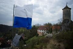 Wavin' Flag (Gr@vity) Tags: dof flag sony a900 waischenfeld steinernerbeutel wavinflag