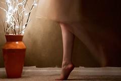 [フリー画像] 人物, ボディーパーツ, 足, 踊る・ダンス, 201104230700