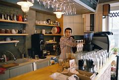 cafe 10Table (Yunhyok Choi) Tags: coffee fuji pentax superia 28mm 400 vivitar xtra fujicolorsuperiaxtra400 z1p cafe28mm400fujipentaxsuperiavivitarxtraz1p