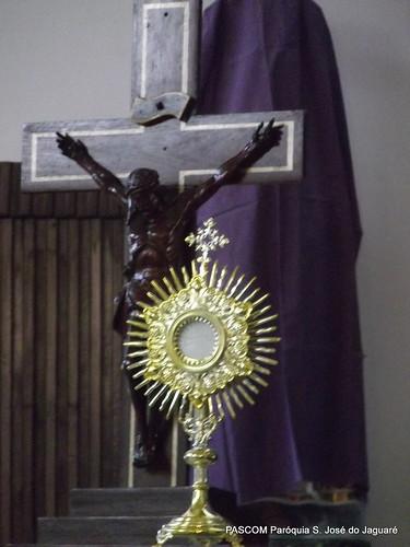 Cristo: na Cruz e na Eucaristia