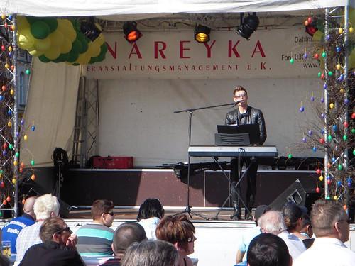 Singer at Hauptstrassefest