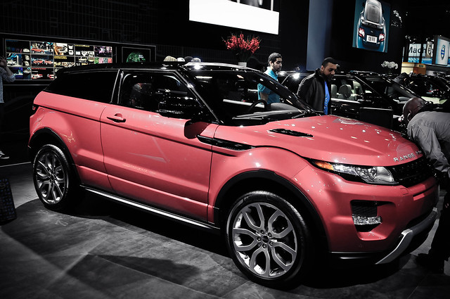 auto show new york nikon rover land range 2011 evoque d300s