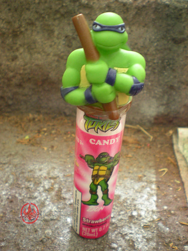 Koko's Confectionery & Novelty :: 'Teenage Mutant Ninja Turtles' CANDY SPRY // Donatello - Strawberry i (( 2009 ))
