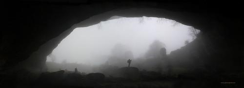 02667 Pano 652-653 Cueva Lezaundi con Juanjo Eceiza Verano entre la niebla