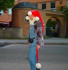 Zwerg Kuppel DSC08822ano (muetzenzwergli) Tags: rot wool fetish soft dick handknit mascot suit balaclava bommel zwerg hinten wolle fetisch weich zipfel zipfelmtze woolfetish wollfetisch handgestrickt zwergenmtze bodenlang zipfelkapuze zipfelkaputze