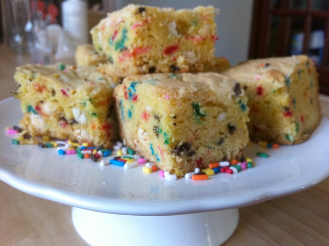 Cakr Batter Blondies