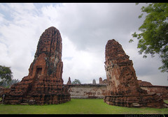 TH-064 (Rawbean Laden) Tags: thailand ayutthaya watmahatat phrang templeruin