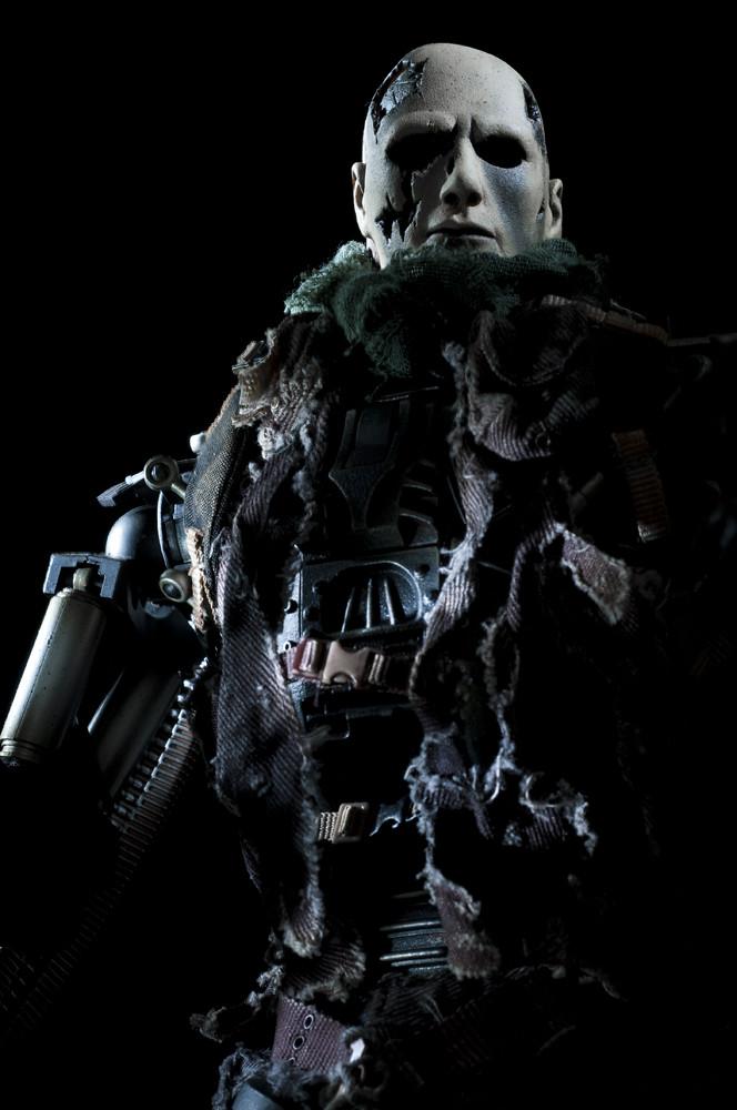 Hot Toys Terminator Salvation Endoskeleton T-600