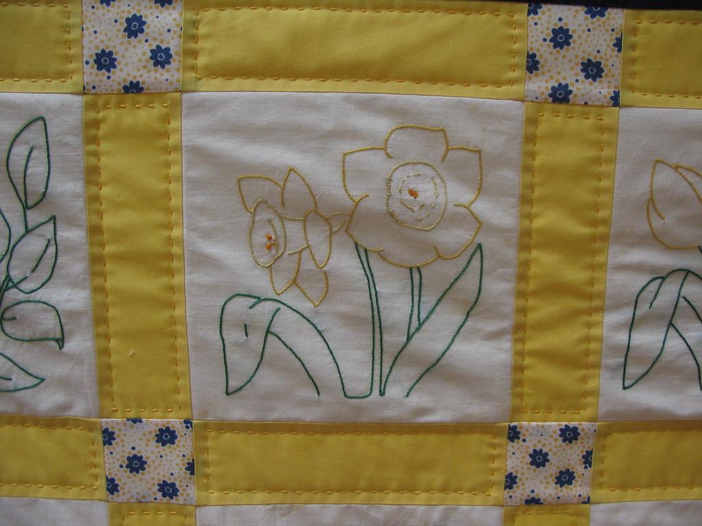 Flower Garden Quilt Daffodil Block