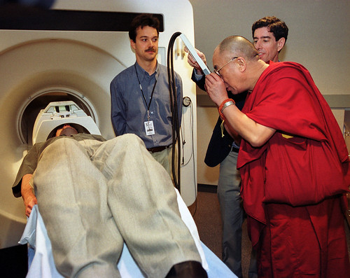 Dalai Lama Checks Out PET Scanner