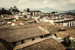 En los techos de Ptzcuaro (hapePHOTOGRAPHIX) Tags: 484mex 484mic amricadelnorte estadodemichoacndeocampo mexico mexiko michoacn mxico nikond2x nordamerika northamerica ptzcuaro hapephotographix mx